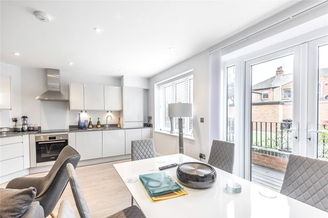 3 bed flat for sale in Greenhill Way, Harrow, Greater London HA1