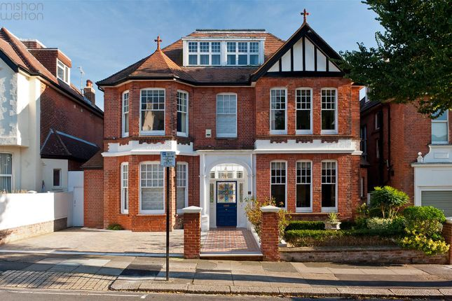 Thumbnail Detached house for sale in Wilbury Gardens, Hove