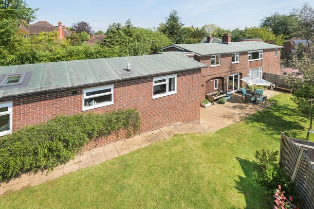 Thumbnail Detached house for sale in Yardley Park Road, Tonbridge