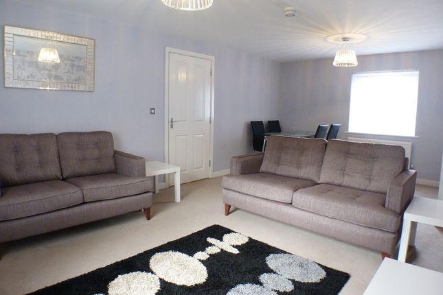 Thumbnail Flat to rent in Phoebe Road, Swansea