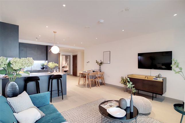 Thumbnail Flat for sale in The Taper Building, Long Lane, London