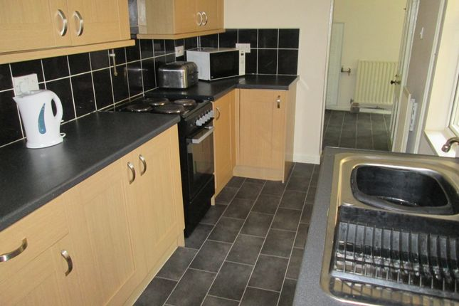 Thumbnail Town house to rent in London Road, Newcastle Under Lyme, Staffordshire