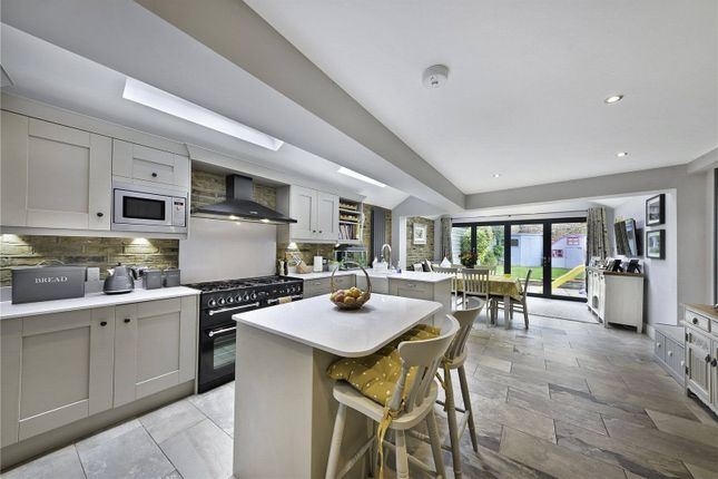 Thumbnail Property for sale in Earls Mews, Winfrith Road, London