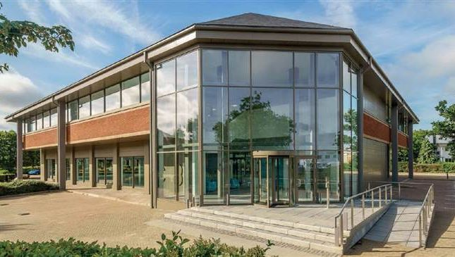 Thumbnail Office to let in Churchill Court, Crawley