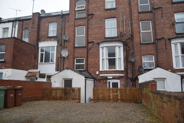 Thumbnail Flat to rent in College Grove View, Wakefield