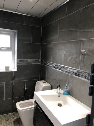 Thumbnail Studio to rent in Bootham Park, Bradford 9, West Yorkshire
