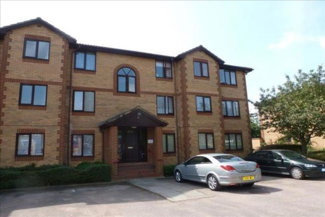 Thumbnail Flat to rent in Kinnaird Close, Slough