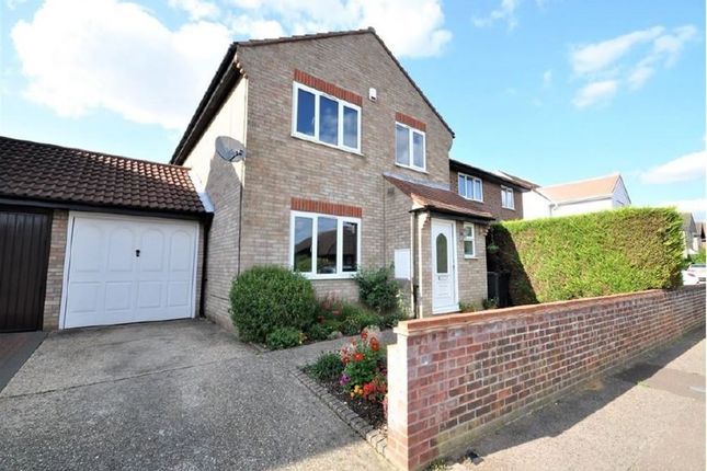 Thumbnail Property to rent in Wheatfield Road, Stanway, Colchester