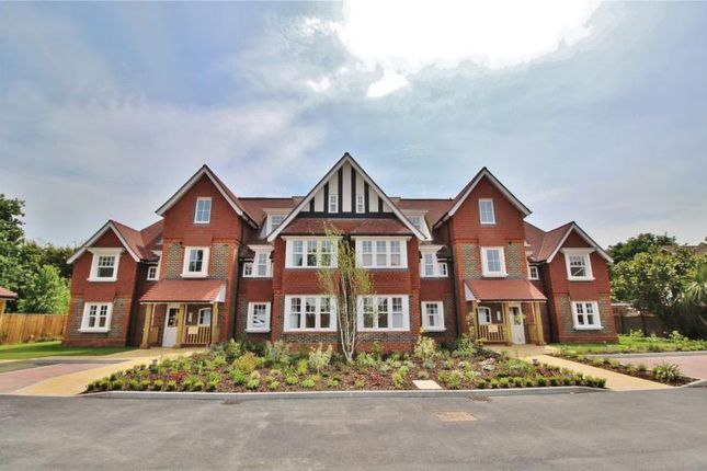 Thumbnail Flat for sale in Hurst Grange, Parkfield Road, Tarring