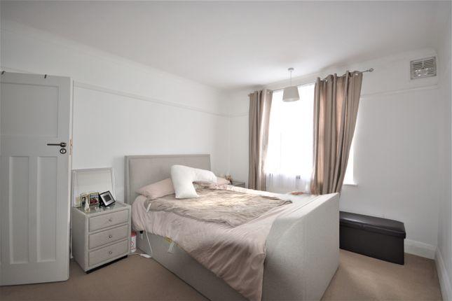 Thumbnail Flat to rent in Birkenhead Avenue, Kingston Upon Thames