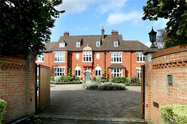 Thumbnail Detached house for sale in Kings Road, Windsor, Berkshire