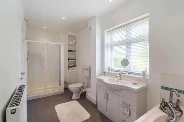 En-Suite of Eastwood Drive, Littleover, Derby DE23