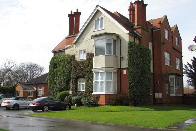 2 bed maisonette to rent in Mill Road, Cleethorpes DN35