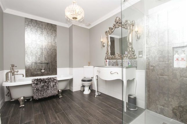 Bathroom of Park Avenue, Ruislip HA4