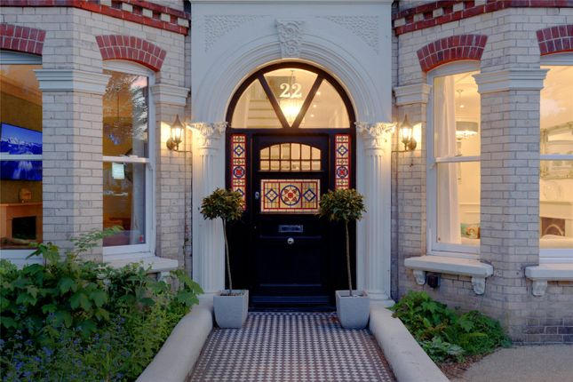 Thumbnail Detached house for sale in Wilbury Avenue, Hove, East Sussex