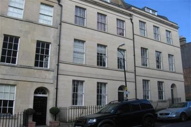 2 bed flat to rent in Northampton Street, Bath