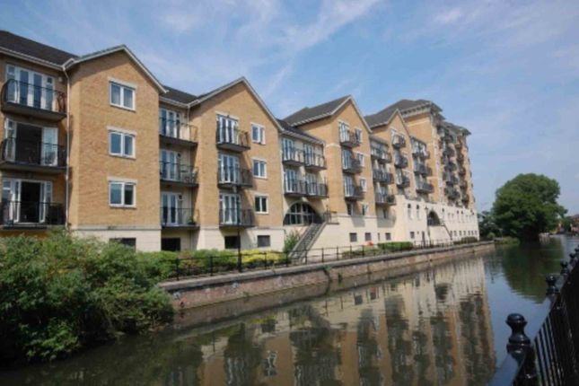 Thumbnail Flat to rent in Blakes Quay, Reading, No Agency Fees, Short Term Let.