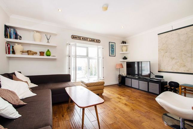 Thumbnail Flat for sale in Roman Road, Bethnal Green