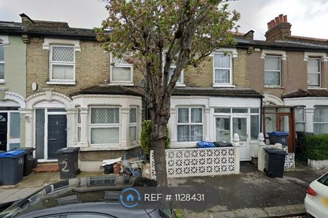 3 bed terraced house to rent in Notson Road, London SE25