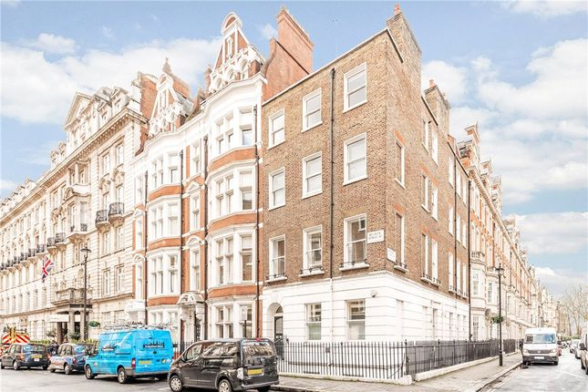 Picture No. 07 of Welbeck Street, Marylebone, London W1G