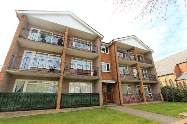 Thumbnail Flat to rent in Compton Road, Winchmore Hill
