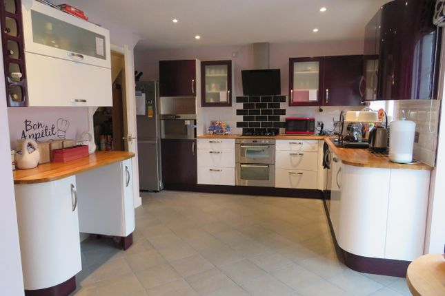 Thumbnail Property to rent in Osbourne Close, Corby