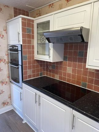 Thumbnail Terraced house to rent in St. Leonards Road, Northampton