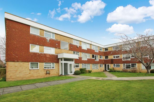 Thumbnail Flat for sale in College Gardens, Worthing