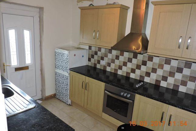 Thumbnail Flat to rent in Midland Rd, Royston, Barnsley