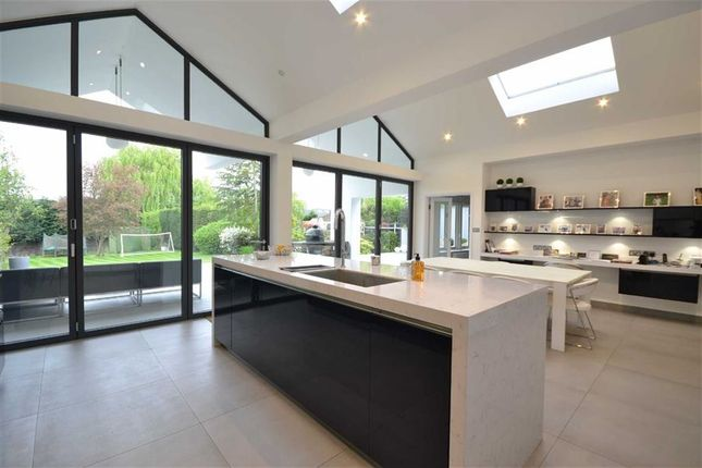 Thumbnail Detached house to rent in Waggon Road, Hadley Wood, Hertfordshire
