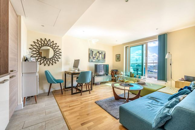2 bed flat for sale in St George Wharf, Vauxhall, London SW8