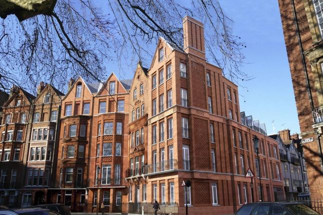 2 bed flat for sale in Hans Place, Knightsbridge