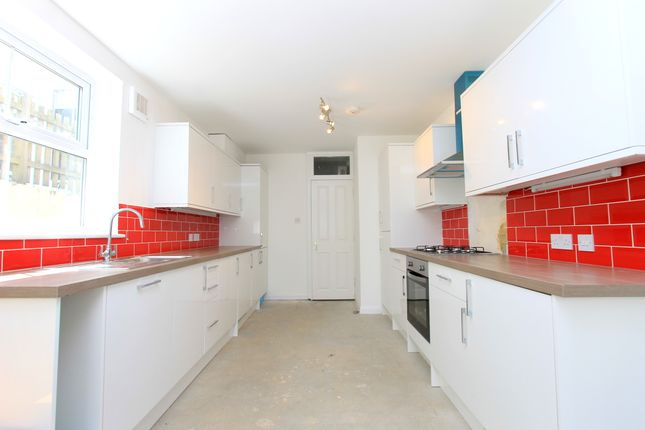 Thumbnail Semi-detached house to rent in Whippingham Road, Brighton