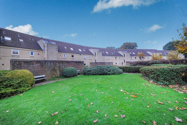 Thumbnail Flat for sale in Field View, Chippenham