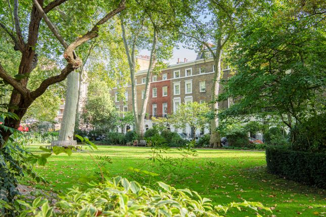 6 bed terraced house for sale in Connaught Square, Hyde Park, London W2