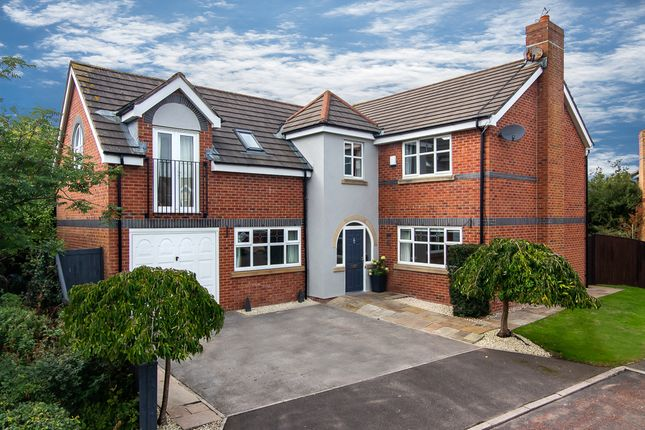 Thumbnail Detached house for sale in Waterleat Glade, Poulton-Le-Fylde