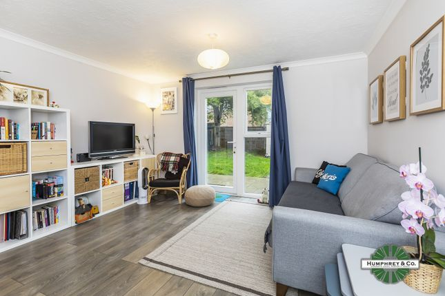 Flat for sale in Damask Crescent, London