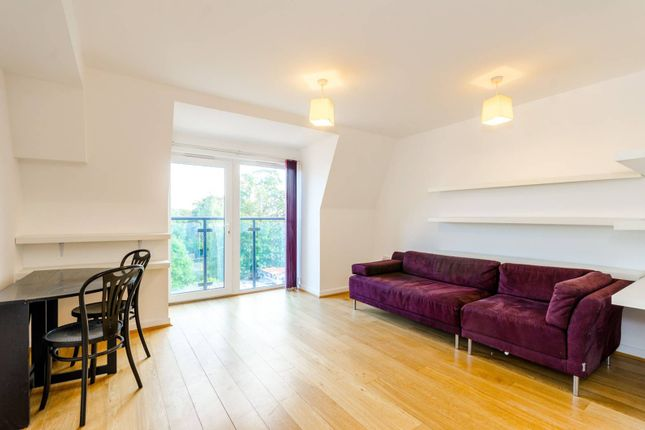 2 bed flat to rent in High Road Leytonstone, Leytonstone