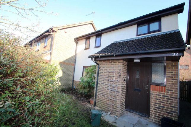 Thumbnail End terrace house to rent in Broadmead, Langshott, Horley