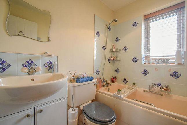 Bathroom of Delphinium Way, Lower Darwen, Darwen BB3