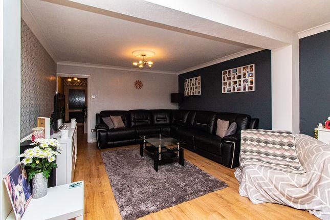 Lounge/Diner of Raphael Drive, Shoeburyness SS3