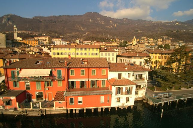 Town house for sale in Via Gregorini 10, Lovere, Bergamo, Lombardy, Italy