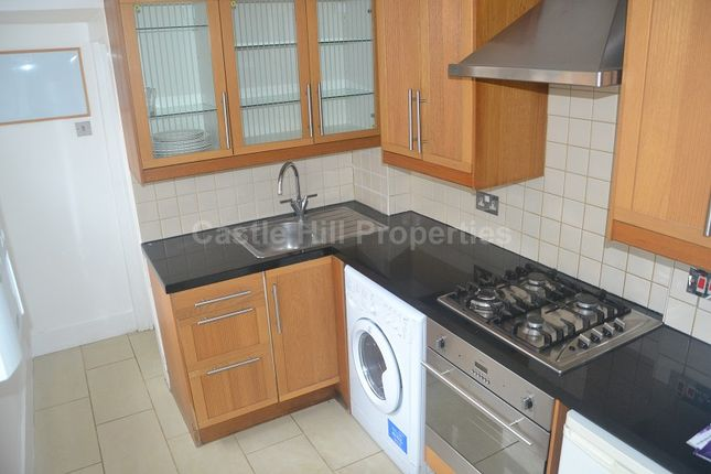 2 bed terraced house to rent in Felix Road, West Ealing, London.