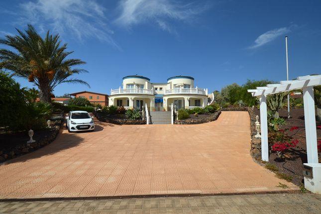 Thumbnail Villa for sale in Calle Adelfa, Parque Holandes, Fuerteventura, Canary Islands, Spain
