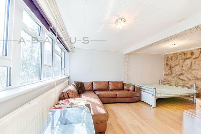 Thumbnail Flat for sale in Summit Court, Shoot Up Hill, Kilburn