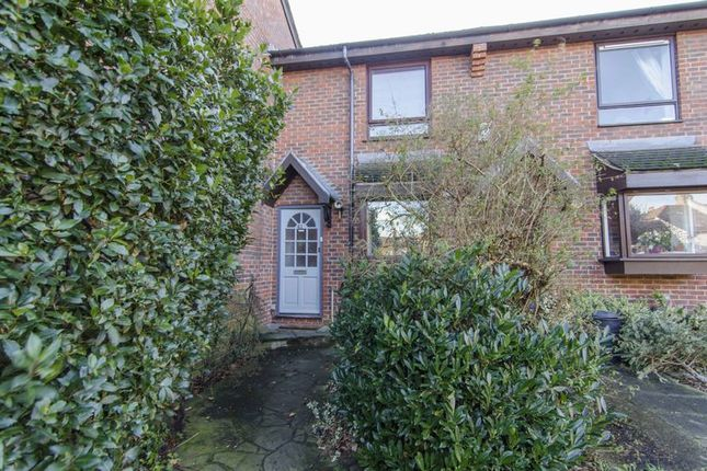 Thumbnail Terraced house for sale in Linnet Mews, London