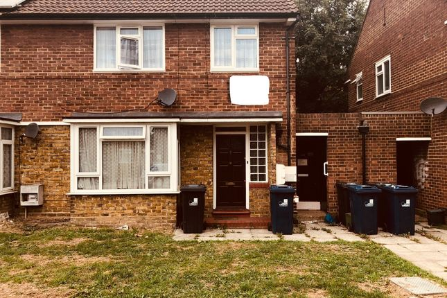Thumbnail Flat to rent in Darwin Road, Southall