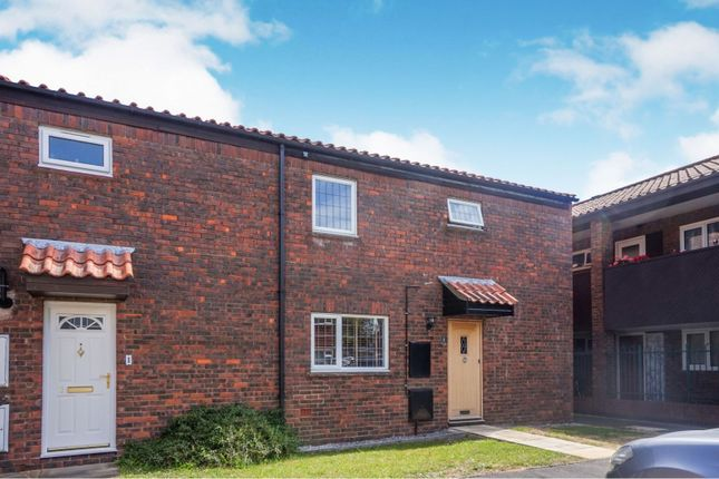 Thumbnail Semi-detached house for sale in Barn Mead, Harlow
