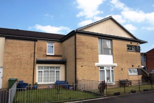 2 bed flat to rent in Appin Crescent, Dennistoun, Glasgow