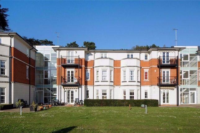 Thumbnail Flat to rent in Brookshill, Harrow Weald, Middlesex